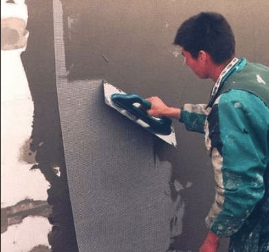 Выравнивание и сопутствующая подготовка теплоизоляционной поверхности