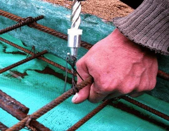 Затягивание петли, скрутка проволоки крючком