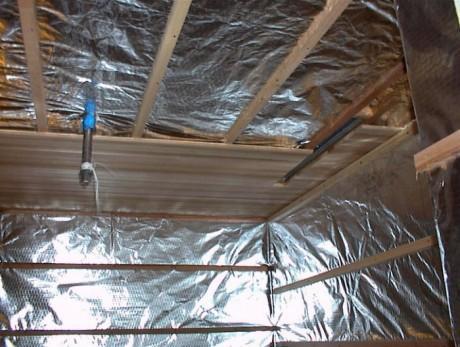 Гидроизоляция стен и потолка бани