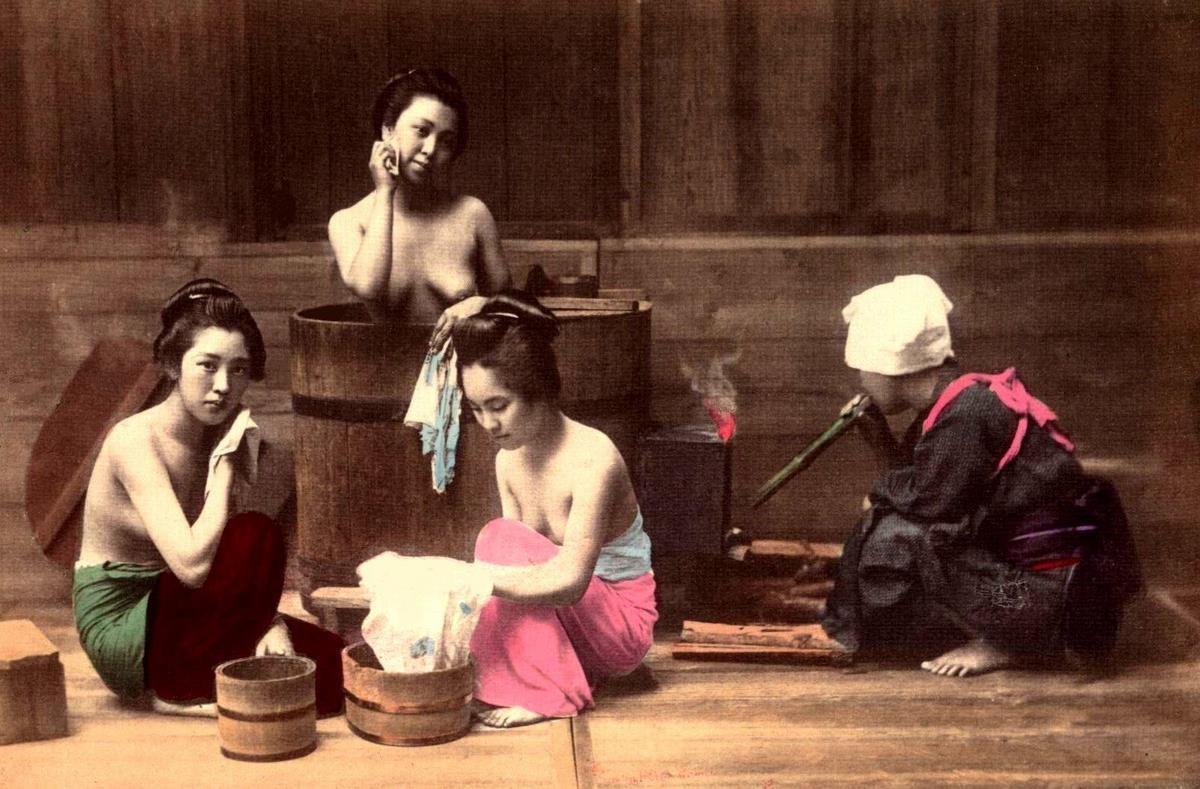 Японское мытье в бочке видео
