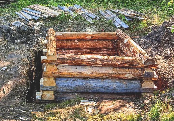 Пример деревянного сруба колодца
