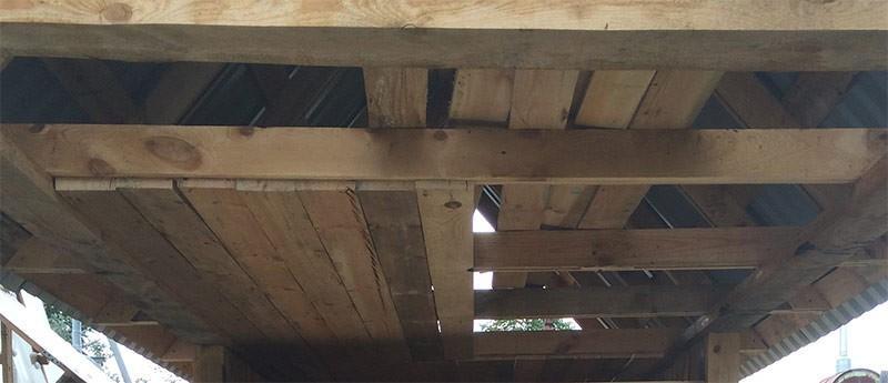 Устройство чернового потолка