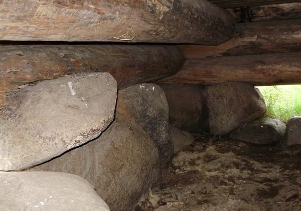 Камни - фундамент