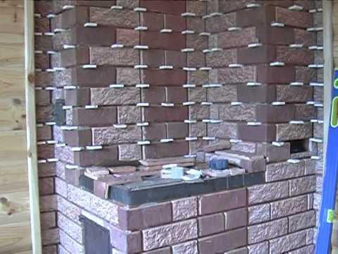 Использованы кусочки гипсокартона для сохранения равного расстояния между плитками