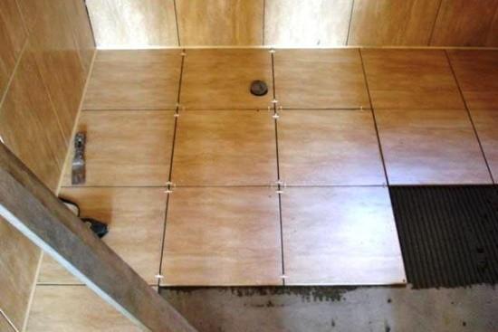 Фото - укладка плитки на пол