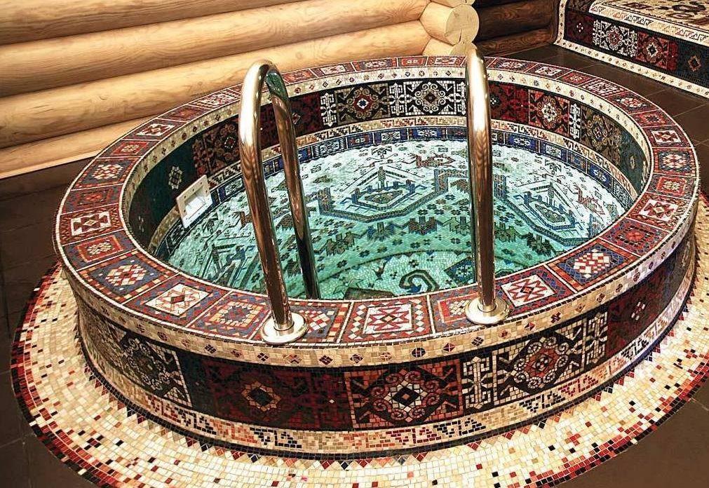 Купель для бани бетонная, отделка мозаикой