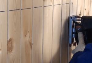 Распил внутренней обшивки стены