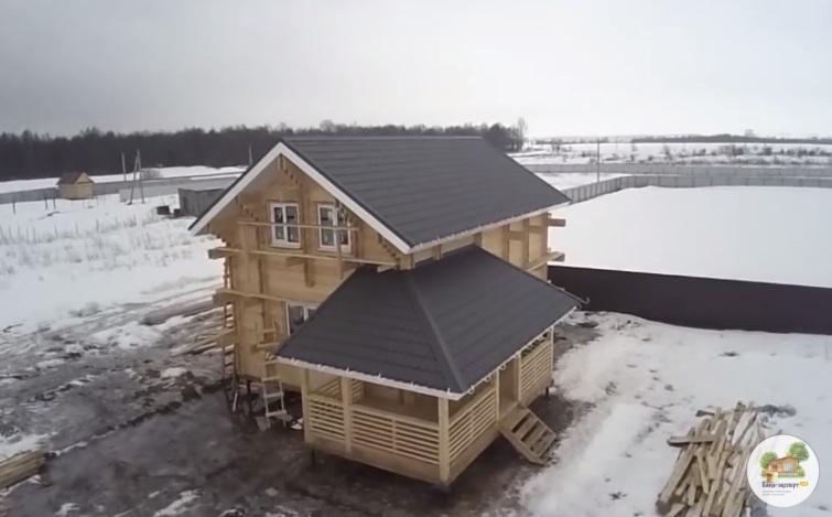 Выстроенное по технологии двойной брус здание
