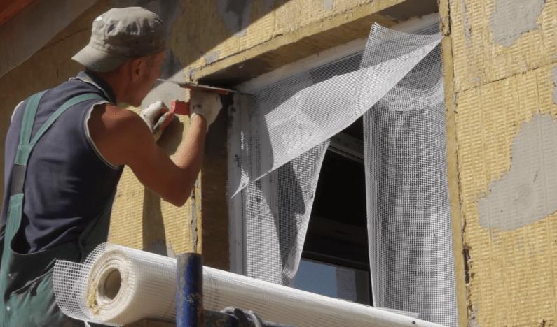 Армирование углов откосов стеклосеткой