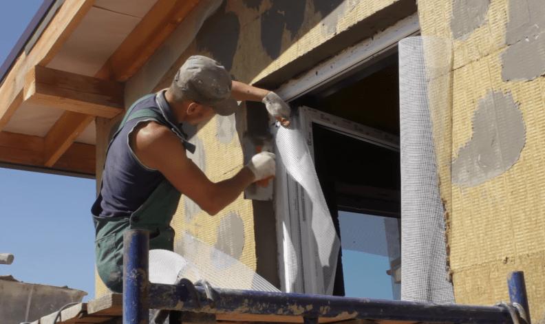 Армирование угла стеклосеткой
