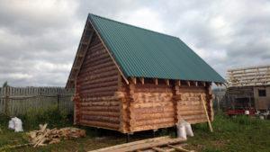 Крыша бани из профнастила