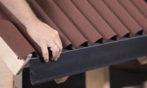 Лист заподлицо с краем крыши