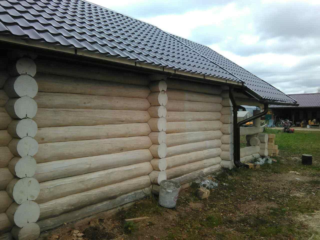 Водосток защищает фасад от намокания
