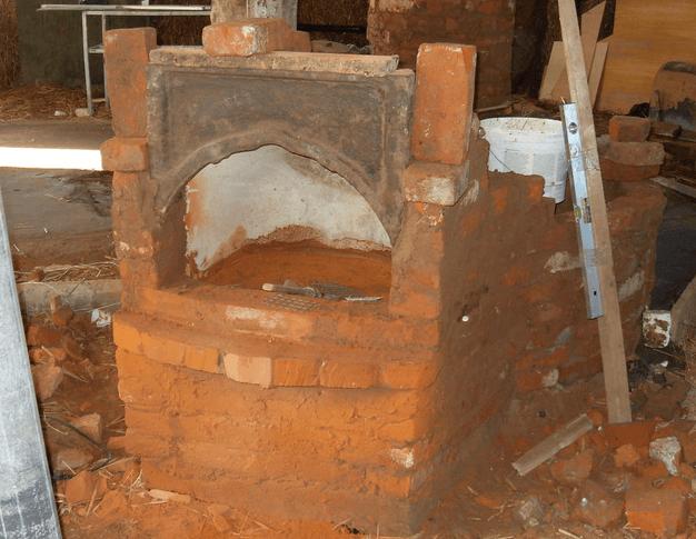 Строительство банной печи из старой чугунной ванны
