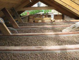 Утепление потолка керамзитом выполняется только со стороны чердака