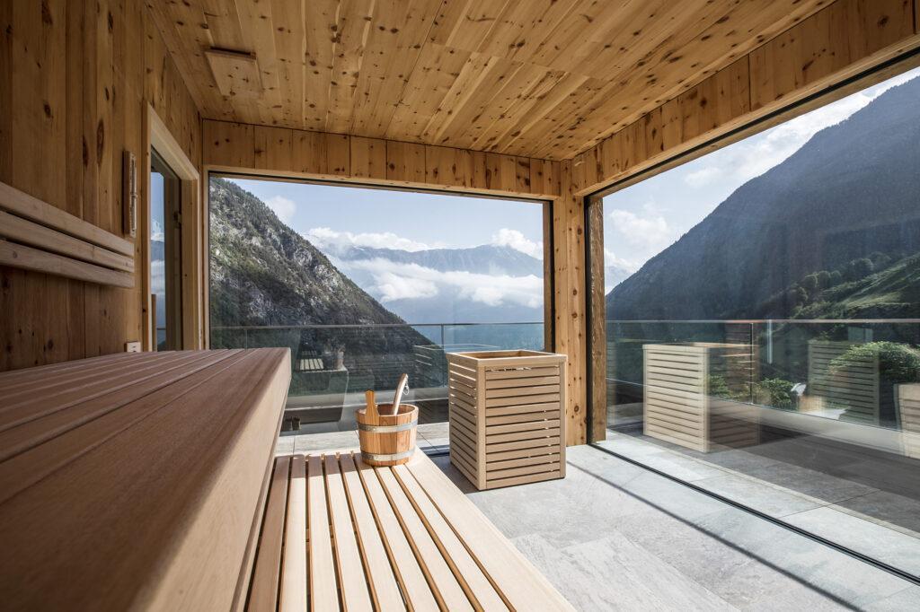 Панорамное окно в бане